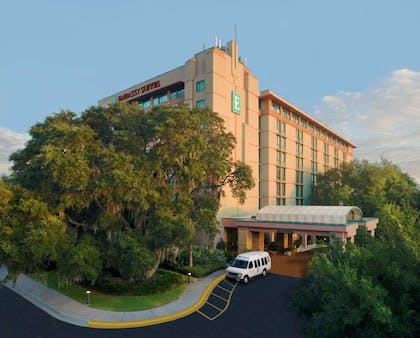 Exterior   Embassy Suites by Hilton Tampa USF Near Busch Gardens