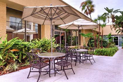 Exterior | DoubleTree by Hilton Hotel Tampa Airport - Westshore