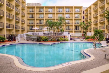 Pool   DoubleTree by Hilton Hotel Tampa Airport - Westshore