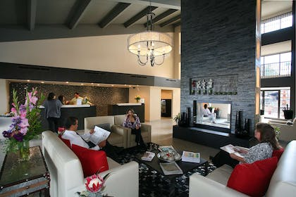Reception | DoubleTree Suites by Hilton Hotel Tucson Airport