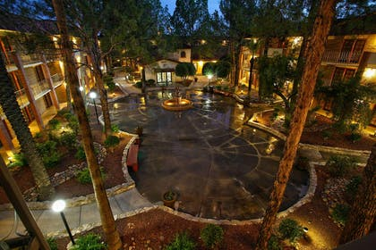 Exterior | DoubleTree Suites by Hilton Hotel Tucson Airport