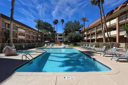 Pool | DoubleTree Suites by Hilton Hotel Tucson Airport