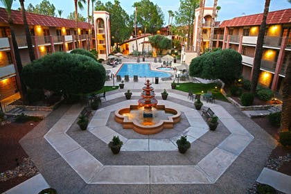Pool   DoubleTree Suites by Hilton Hotel Tucson Airport