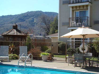 Pool | Hampton Inn Ukiah CA