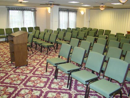 Meeting Room | Hampton Inn Ukiah CA