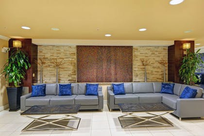 Lobby | Embassy Suites by Hilton Valencia - Downtown