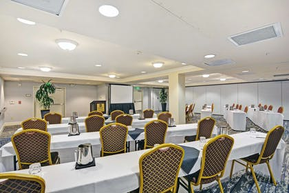 Meeting Room | Embassy Suites by Hilton Valencia - Downtown