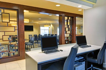 Business Center | Embassy Suites by Hilton Valencia - Downtown