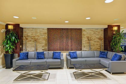 Lobby   Embassy Suites by Hilton Valencia - Downtown