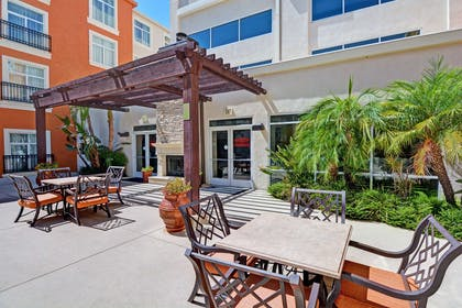 Exterior   Embassy Suites by Hilton Valencia - Downtown