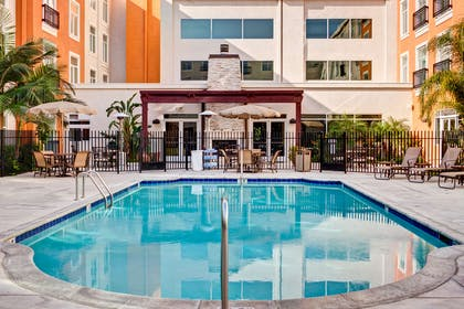 Pool   Embassy Suites by Hilton Valencia - Downtown