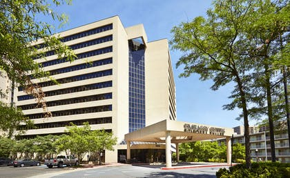 Exterior | Embassy Suites by Hilton Crystal City National Airport