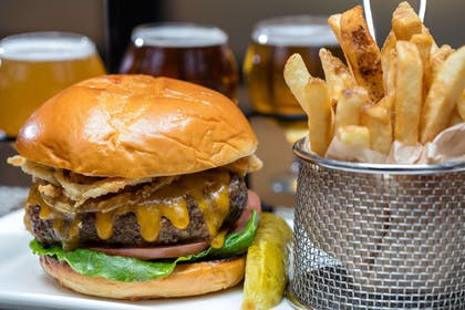 Restaurant | Embassy Suites by Hilton Crystal City National Airport