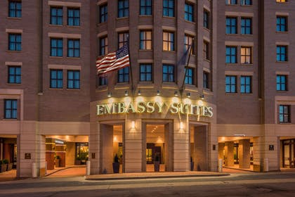 Exterior | Embassy Suites by Hilton Alexandria Old Town