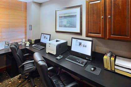 Business Center | Hampton Inn & Suites Reagan National Airport - Crystal City