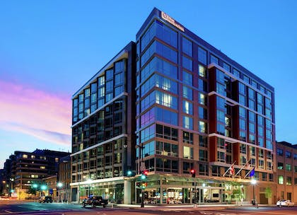Exterior | Hilton Garden Inn Washington DC/Georgetown Area