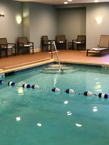 Pool | Hampton Inn Waterville