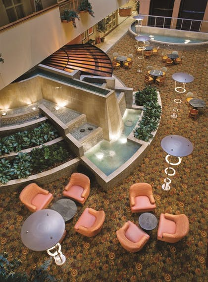 Lobby | Embassy Suites Northwest Arkansas - Hotel, Spa & Convention Center