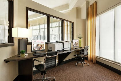 Business Center | Hilton Garden Inn Saskatoon Downtown, Canada