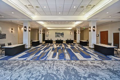 Lobby | Embassy Suites by Hilton Omaha-Downtown-Old Market