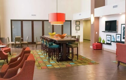 Lobby | Hampton Inn & Suites Dallas/Frisco North-FieldhouseUSA