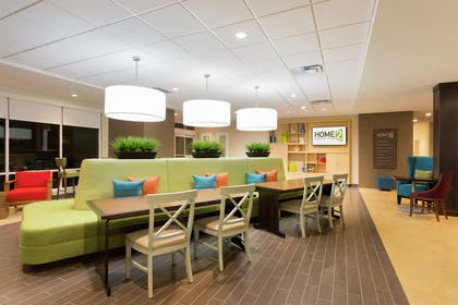 Lobby   Home2 Suites by Hilton Midland