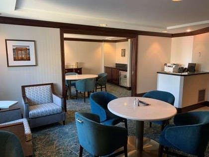 LoungeMiddleFrontSectionNEW | The Towers At Kahler Grand Hotel