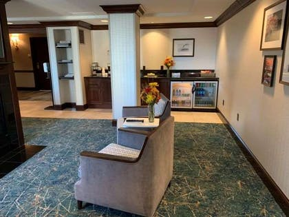 LoungeMiddleRightSectionNEW | The Towers At Kahler Grand Hotel