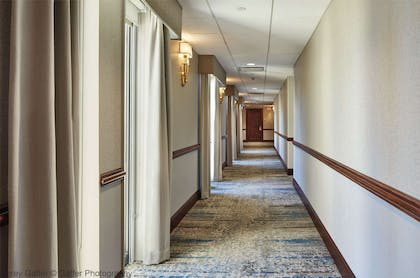 thFloorHallway | The Towers At Kahler Grand Hotel