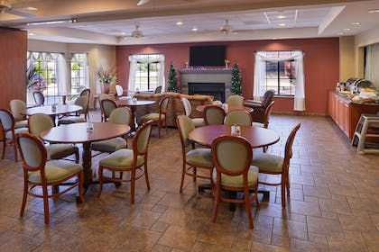 Dining Area | Country Hearth Inn & Suites Edwardsville St. Louis