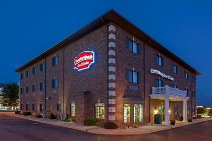Night Exterior | Country Hearth Inn & Suites Edwardsville St. Louis