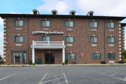 Exterior | Country Hearth Inn & Suites Edwardsville St. Louis