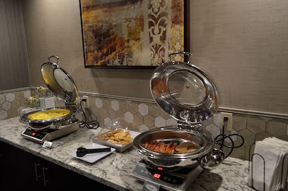 Breakfast Buffet | Best Western Plus Stevens County Inn