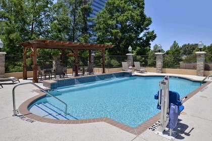 Pool | Hampton Inn & Suites Dallas Market Center