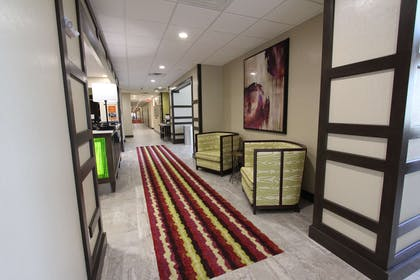 Lobby | Hampton Inn & Suites Dallas Market Center