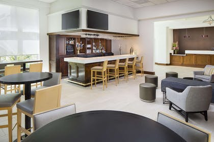 BarLounge | DoubleTree by Hilton Los Angeles - Commerce
