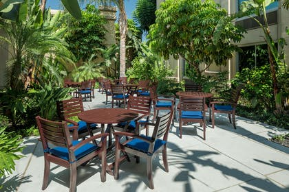 Exterior   DoubleTree by Hilton Los Angeles - Commerce