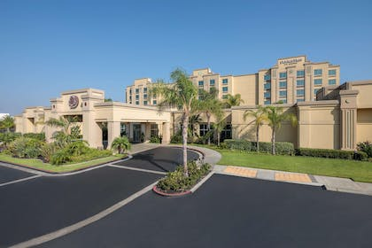 Exterior | DoubleTree by Hilton Los Angeles - Commerce