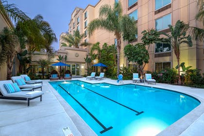 Pool | DoubleTree by Hilton Los Angeles - Commerce