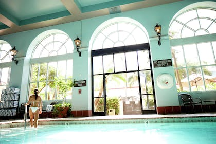 Pool | Embassy Suites by Hilton Los Angeles International Airport South