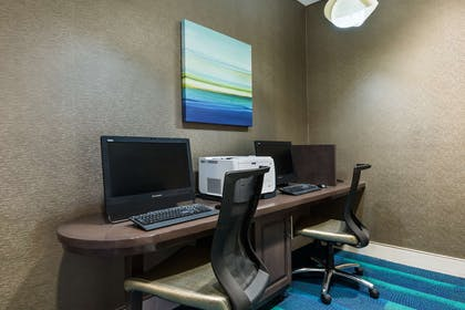 Business Center | Homewood Suites By Hilton Orlando-Nearest Universal Studios
