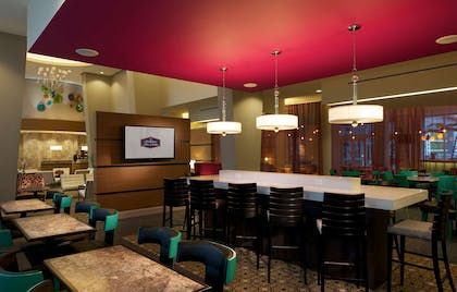 Restaurant | Hampton Inn & Suites by Hilton Miami Brickell Downtown