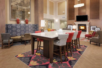Lobby | Hampton Inn and Suites Munster
