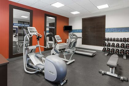Health club | Hampton Inn and Suites Munster