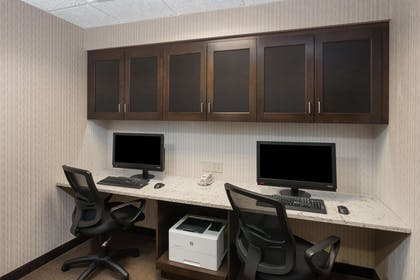 Business Center | Hampton Inn and Suites Munster
