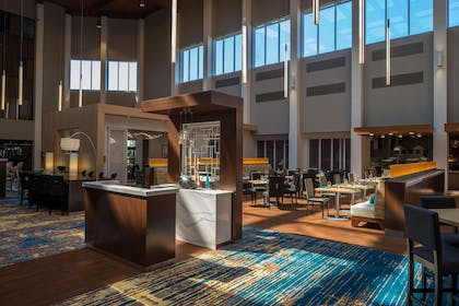 Reception | DoubleTree by Hilton Hotel Pittsburgh - Cranberry