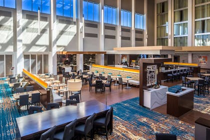 Lobby | DoubleTree by Hilton Hotel Pittsburgh - Cranberry