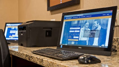 Business Center | Best Western Plus Lincoln Inn & Suites