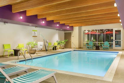 Pool | Home2 Suites by Hilton Canton