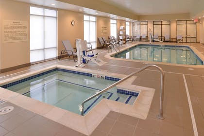 Pool | Hampton Inn Omaha Midtown-Aksarben Area